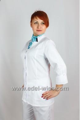 Женский медицинский костюм с воротником стойкой переходящей в планку и рукавом ¾