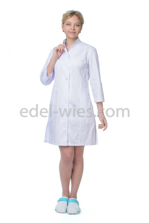 Женский медицинский халат с воротником стойкой и рукавом ¾